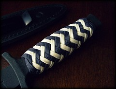 Paracord handle wrap (Stormdrane) Tags: blue winter white black project handle boot design diy bottle keychain keyring key glow decorative knife wrap knot gift pineapple howto midnight edc grip exchange opener everydaycarry useful gid paracord 2015 stormdrane knoteverythingforums covertknots