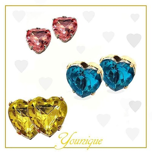 Aspettando San Valentino! #waiting #younique #accessori #personalizzati #madeinitaly #handmade #collane #bracciali #spille #orecchini #earrings #swarovsky #cuore #love #hearth #bijoux #Jewels #SanValentino #gift