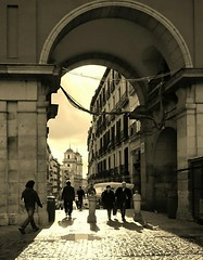 Madrid (Eliazar Torre) Tags: madrid espaa contraluz spain ciudad plazamayor plazamayordemadrid