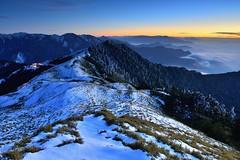 合歡山~夕映冰封雪景~  Snow sunset (Shang-fu Dai) Tags: sunset snow clouds landscape nikon taiwan 南投 夕陽 20mm formosa 台灣 雪 風景 雪景 合歡山 雲海 hehuan d600 戶外 仁愛鄉 主峰 3416m afs1635mmf4