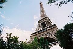 Touching the sky (Jrmy C. (Kodje)) Tags: paris france tower film canon silver tour kodak iso400 eiffeltower eiffel f1 400 toureiffel l portra fd f35 2035mm canonf1old fd2035mmf35l