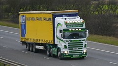 NK07 CVH (panmanstan) Tags: truck wagon motorway yorkshire transport lorry commercial vehicle freight scania m62 haulage whitley hgv curtainsider r480
