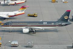 "Royal Jordanian Airlines Airbus 320-212 F-OHGB (c/n 0289) Sporting a ""Amman 2002 Arab Cultural Capital""-sticker (Manfred Saitz) Tags: vienna wien airport royal airbus flughafen airlines jordanian vie a320 320 freg schwechat loww fohgb"