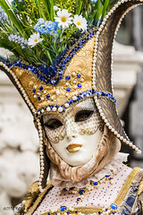 Carnaval Venise 2016-6477 (yvesw_photographies) Tags: italien carnival venice costumes italy rouge europa europe italia eu parade carnaval venise carnevale venezia venedig italie costum costumi costumé flânerie vénitien vénitienne costumés carnavaldevenise2016