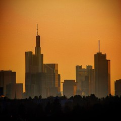 Lohrberg Frankfurt mit Sonnenuntergang (patrickries85) Tags: sun color love composition canon landscape exposure sonnenuntergang hessen lohrberg frankfurt moment tamron landschaft mainhatten picoftheday photoday eos100d