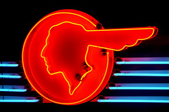 Neon Native (Seeing Visions) Tags: california ca blue red circle advertising logo us unitedstates glendale indian mona neonsign pontiac outline generalmotors 2016 museumofneonart chiefpontiac raymondfujioka