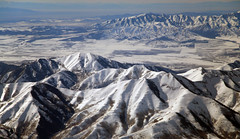 2016_02_16_lga-ord-slc_143 (dsearls) Tags: brown white mountains west utah flying desert aviation united gray aerial ual unitedairlines windowseat windowshot oquirrh oquirrhmountains lgaordslc 20160216