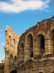 Pronta per i concerti ! (valeriaconti136) Tags: sky italy architecture italia verona cielo arco architettura paesaggio bastione colonna rovine veneto allaperto arenadiverona