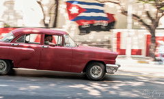 Old Car - flag - Havana/Cuba (Enio Godoy) Tags: street travel streetart car speed nikon automobile fineart havana cuba frias journey viagem carro vehicle oldcar panning vacations velocidade carroantigo niksoftware d300s nikond300s viveza2