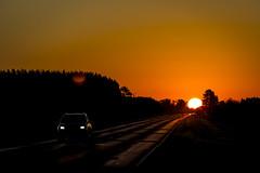 Estrada para Corrientes-AR (Paulo Mrcio Cassini) Tags: trip sunset sky car landscape roadtrip paisagem cu prdosol estrada viagem carro skylovers