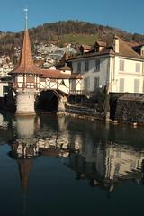 Schloss Oberhofen ( Bergfried 12. Jahrhundert - chteau castello castle ) im Dorf Oberhofen am Thunersee im Berner Oberland im Kanton Bern der Schweiz (chrchr_75) Tags: christoph hurni chriguhurnibluemailch chrchr chrchr75 chrigu chriguhurni dezember 2015 albumzzz201512dezember thunersee kantonbern see lac lake lago berner oberland schweiz susise switzerland svizzera suissa swiss kanton bern berneroberland alpensee s jrvi  albumthunersee schlossoberhofen albumschlossoberhofen schloss oberhofen chteau castle castello suisse