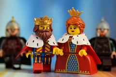 Lego King and Queen: Lesgo for a walk (Lesgo LEGO Foto!) Tags: cute love fun toy toys nikon king lego queen series minifig collectible minifigs nikkor omg collectable minifigure series13 minifigures series15 d5300 legophotography legography collectibleminifigures collectableminifigure classicking coolminifig 60mmf28drmicro