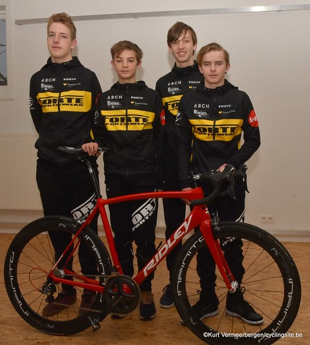 Young Cycling Team (69)