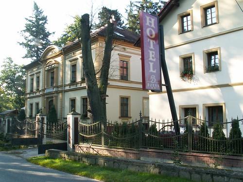 Hotel Borys (Główna 26) w Zagórzu Śląskim