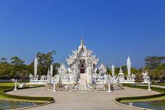 White Temple (JCS75) Tags: canon thailand temple religion wat chiangrai thailande whitetemple buddhisme banrongkhun