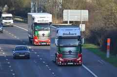 Rollin' (stavioni) Tags: truck reading one mercedes benz motorway f1 formula helena eddie trailer wendy m4 esl keavy actros stobart gn14wle h3344 h3336 gn14wlr