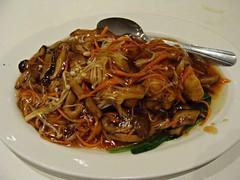 Bean Curd and Mushrooms (knightbefore_99) Tags: china food canada mushroom vancouver lunch restaurant bc tofu chinese tasty pelican bean hastings cantonese eastvan curd enoki
