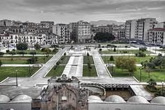 La piazza della zisa a palermo (eliobuscemi) Tags: piazza palermo giardino zisa
