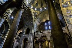 Oro e incenso (R.o.b.e.r.t.o.) Tags: venice italy church gold italia mosaico chiesa venezia oro basilicadisanmarco 3200iso sonyilce5100