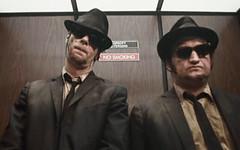 In ascensore con uno sconosciuto? Ecco le 10 frasi più intelligenti da dire per evitare (SatiraItalia) Tags: ascensore frasi sconosciuto