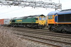 66556 66732 Passing @ Chorlton (uksean13) Tags: canon cheshire diesel transport rail railway loco crewe locomotive freight freightliner class66 gbrailfreight ef28135mmf3556isusm gbrf 66556 66732 chorltonlane 760d