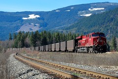 CP 8952 (Spallumcheen) Tags: bc diesel coal cp cambie locos shuswap