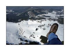 Ma chaussure droite (Brulama) Tags: france neige paysage hautesavoie chaussure lullin chablais trslemont vuedeparapente