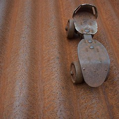 Skate on a Cold Tin Roof (Jane in the UK) Tags: vintage rust rusty skate rusted tinroof vintageskate