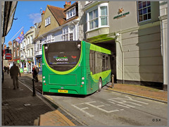Only skilful drivers need apply (Shaw-King.) Tags: england southern vectis cowes severaltimesperhourthesebusesnegotiatethistrickyturntoreachtheferrypointatcowesontheisleofwight notethebollardsplacedjusttomakethemanovereextrachallenging