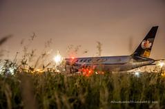 auxilium (m!guel.andrs.crdenas) Tags: airplane cielo avin aeropuerto manta canad vuelo ayuda carga cruzroja