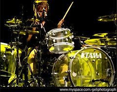 6 (gelimarier) Tags: music drums concierto muse msica dominic drumer batera