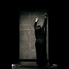 Antibiografia de Parra (creonte05) Tags: chile blackandwhite bw square teatro nikon explore silueta parra curico 2016 2485mmf284d antipoesia bconegro d7100 eduardomiranda losviajantes tnch antibiografiadeparra palomatoral