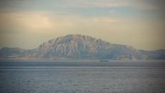 Estrecho de Gibraltar (pablogavilan) Tags: de mar spain agua andalucia montaa gibraltar cdiz estrecho orilla piedra guadalmesi