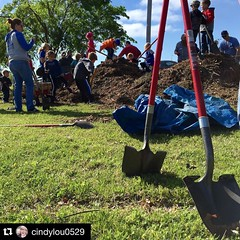 #Repost @cindylou0529   This morning, @redemptionokc helped mulch trees around Mitch Park. Thank you @edmondurbanforestry for showing us the way.  || #thisismycommunity #socality #okweekends #myoklahoma #oklahoma #edmo (rcokc) Tags: park morning trees oklahoma way for this us you mitch thank around showing mulch repost helped || edmondok socality  myoklahoma redemptionokc cindylou0529  edmondurbanforestry  thisismycommunity okweekends