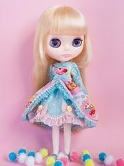 Sweet Cake gown (Helena / Funny Bunny) Tags: blythe rbl funnybunny solidbackground hoshinonamidahime melodystar