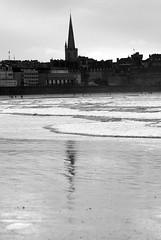 Plage du Sillon (saintmalojmgphotos) Tags: mer soleil sable maritime sillon 35 vagues plage saintmalo mare plagedusillon malouin 35400 merenhiver plagedusillonasaintmalo