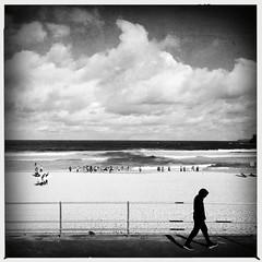 Exiting the scene (Albion Harrison-Naish) Tags: bondi sydney streetphotography australia newsouthwales bondibeach unedited iphone sooc mobilephotography iphoneography sydneystreetphotography hipstamatic aobwfilm iphone5s lowylens albionharrisonnaish