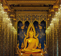 Phra Buddha Chinnarat (anekphoto) Tags: old travel color art tourism statue horizontal asian thailand temple gold ancient mural asia place image antique buddha painted si famous religion culture halo buddhism landmark scene national thai tropical backgrounds spirituality southeast wat past ideas vacations climate tranquil province locations oldfashioned phitsanulok concepts destinations mahathat exoticism chinnarat