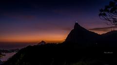 Cristo Redentor - Rio de Janeiro (mariohowat) Tags: sunset brazil brasil riodejaneiro cristoredentor prdosol crepsculo mirantedonamarta mirantesdoriodejaneiro