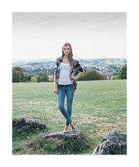 20151002_7_MFL-08_mamiya_rz (The Photo Life) Tags: portrait people woman color cute 120 mamiya film girl fashion shirt female analog mediumformat project pose couple pumps legs kodak outdoor maria longhair posing jeans negative heels shooting heel 100 6x7 regensburg portra rz umwelt mensch rz67 mfl c41 110mm ilovefilm portra160 negativefilm mamiyarz67 aussenaufnahme kodakportra160 brandlberg frontiersp3000 meinfilmlab wwwmeinfilmlabde mamiyasekorz1102 trachtenprojekt