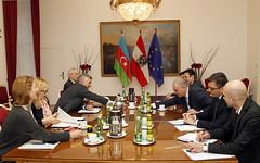 Generalsekretär Linhart trifft Vize-AM von Aserbaidschan Azimov