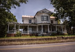 One of the benefits (builder24car) Tags: house abandoned northcarolina urbanexploration ruraldecay oncewashome leftbehindandforgotten