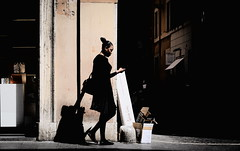 Walking down the street (Gwenal Piaser) Tags: street italy rome roma canon eos reflex italia zoom explore april fullframe rue avril canoneos 1000 italie 6d viadelcorso 2016 2870mm 24x36 explored eos6d rawtherapee ef2870mm canonef2870mmf3545ii unlimitedphotos canoneos6d gwenaelpiaser ef2870mmf3545ii 2870mmf3545ii april2016 canonef2870mm