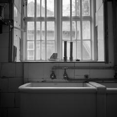 Everything (DanRSmith) Tags: light blackandwhite bw window kitchen monochrome rolleiflex sink taps ilfordhp5 rodinal 35e xenotar