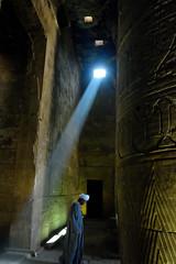 La Luz de Horus (chemakayser) Tags: light luz egypt horus egipto historia templo edfu arqueologa