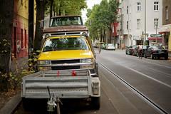 Langhansstrae, Berlin-Weiensee (danichtfr) Tags: berlin chevrolet 35mm sony chevy dodge f18 nex kseries guessedberlin sonyalpha nex6 gwbschlafauto sonye35mmf18oss