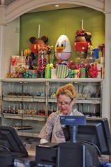 Daisy Duck at Marcelline's (Barry Wallis) Tags: egg dlr easteregghunt downtowndisney dtd daisyduck disneylandresort barrywallis marcellines