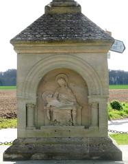 Sommesnil - Pit (Philippe Aubry) Tags: normandie piet calvaire seinemaritime paysdecaux saintevierge sommesnil valledeladurdent