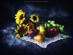Sunflower & Fruit (Davide Solurghi Photography) Tags: stilllife fruit studio indoor sunflower inside frutta girasole naturemorte naturamorta davidesolurghi davidesolurghiphotography