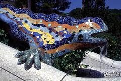 El Drac (waielbi) Tags: barcelona park film 35mm ceramics dragon slide velvia gaudi guell dimage eos5 draco gell eldrac dimagescaneliteii